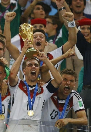 With_cup_lahm