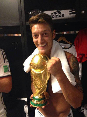 With_cup_ozil